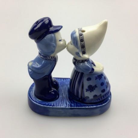 Kussend Paartje Peper en Zout Delftsblauw 12 cm