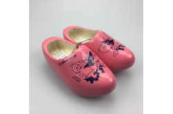Geboorteklompjes met naam roze met koe-decor schoenmaat 22-23