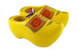 10 paar souvenirklompjes Boeren geel +/- 14 cm